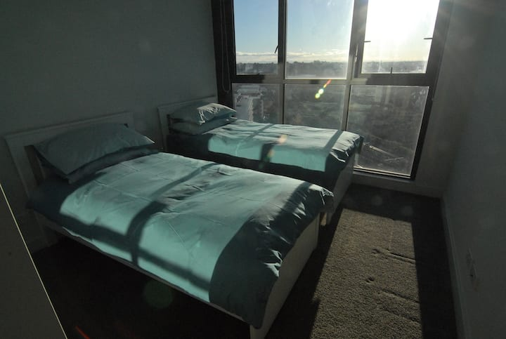 Private 2 singles bedroom at convenience location
