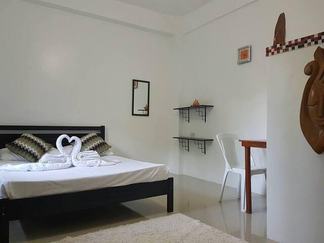 HangOut Beach Resort Modern Room - Malay - Apartament