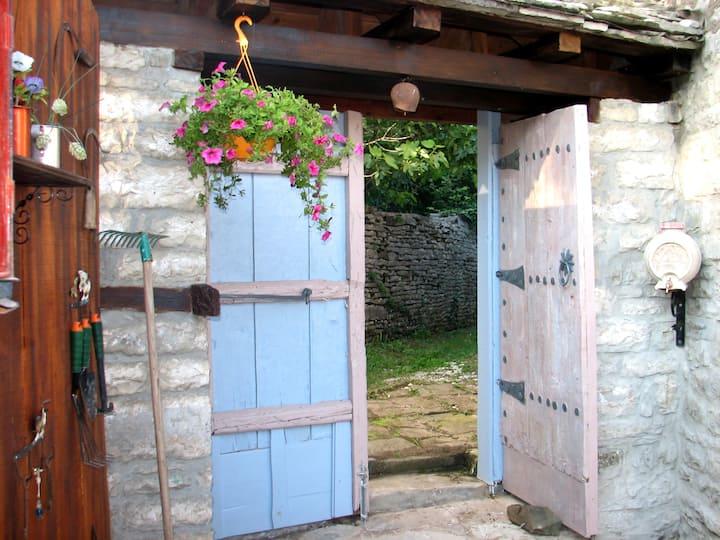 The Nest House in Zagori (Η Φωλιά) -Studio 42t.m