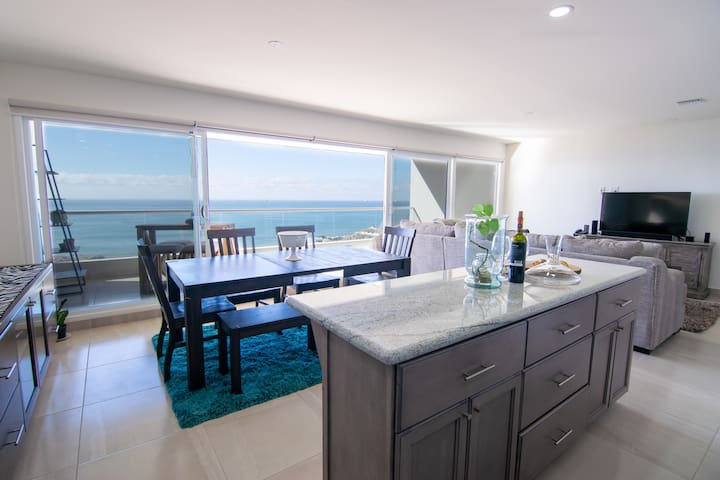 6Th Floor Breathtaking Ocean View Awaits You!