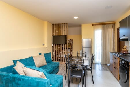 ❄Cozy 1BR Apt. W/ Balcony In center of Bakuriani❄