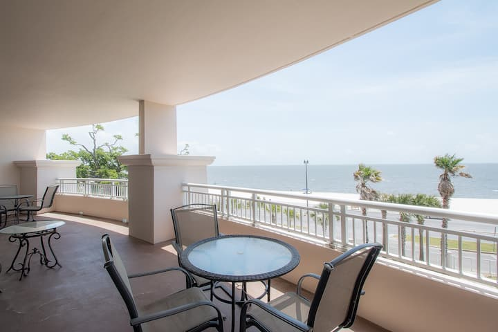 Legacy II by Biloxi Beach Resort Rentals 3 Bedroom 2 Bath 3BR Sleeps 6