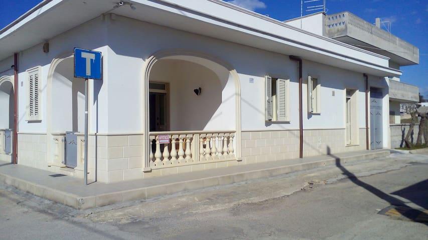 CASA 50 METRI DAL MARE - Monacizzo-librari-truglione - Haus