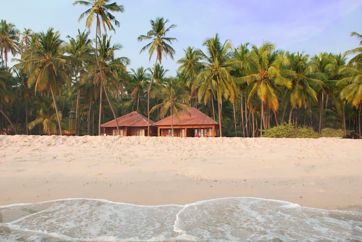 Private home on the beach at Chera Rock