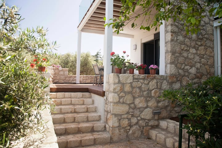 Artemis Village Fouli SeaView Apartment