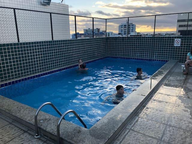 ESPECIAL! Apartamento praia Ponta Verde c/ piscina