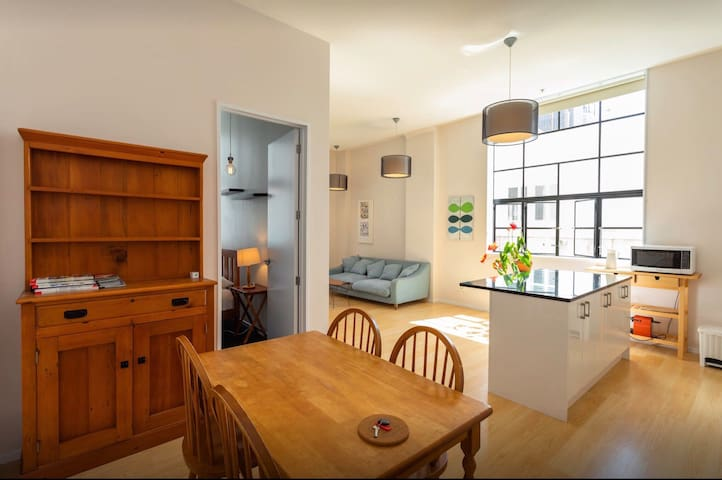 2 Bedrooms in City Centre Character Building