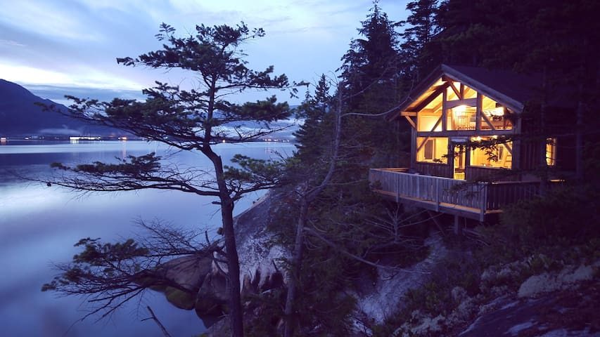 Waterfront Cabin in Squamish. - Squamish - Eiland