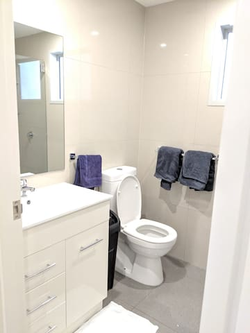 Chic ensuite right in the mid of city!