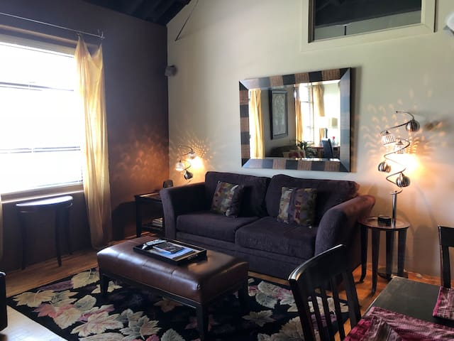 Cozy historic Craterian Suite Downtown Medford 1bd