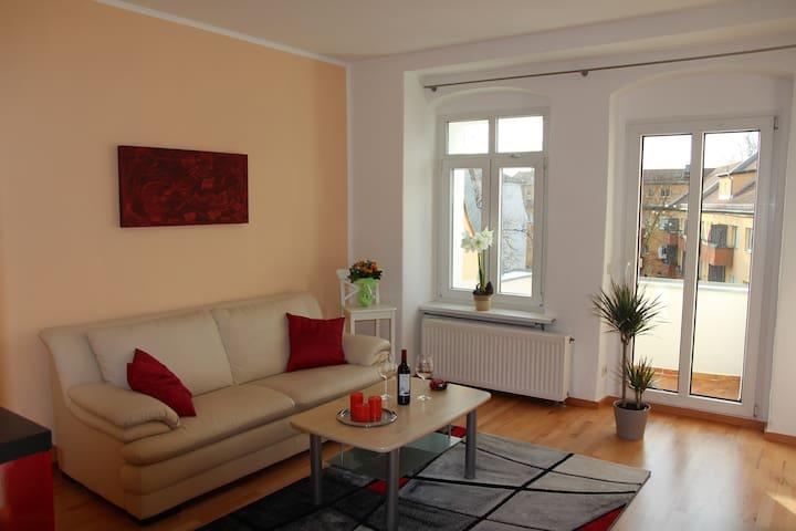 Top-Apartment, sonnig und citynah