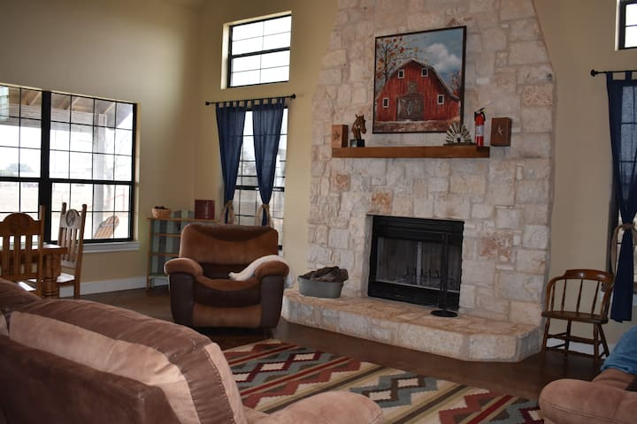 Spring Sale! Beautiful Lodge on Ranch