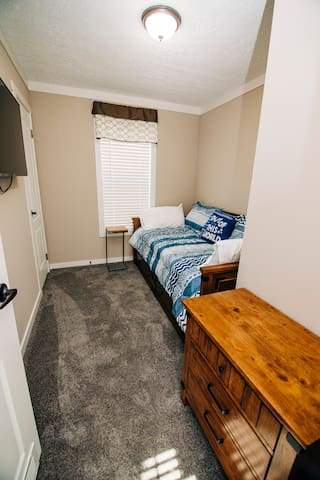 Trundle Bedroom with Smart TV in the kids wing