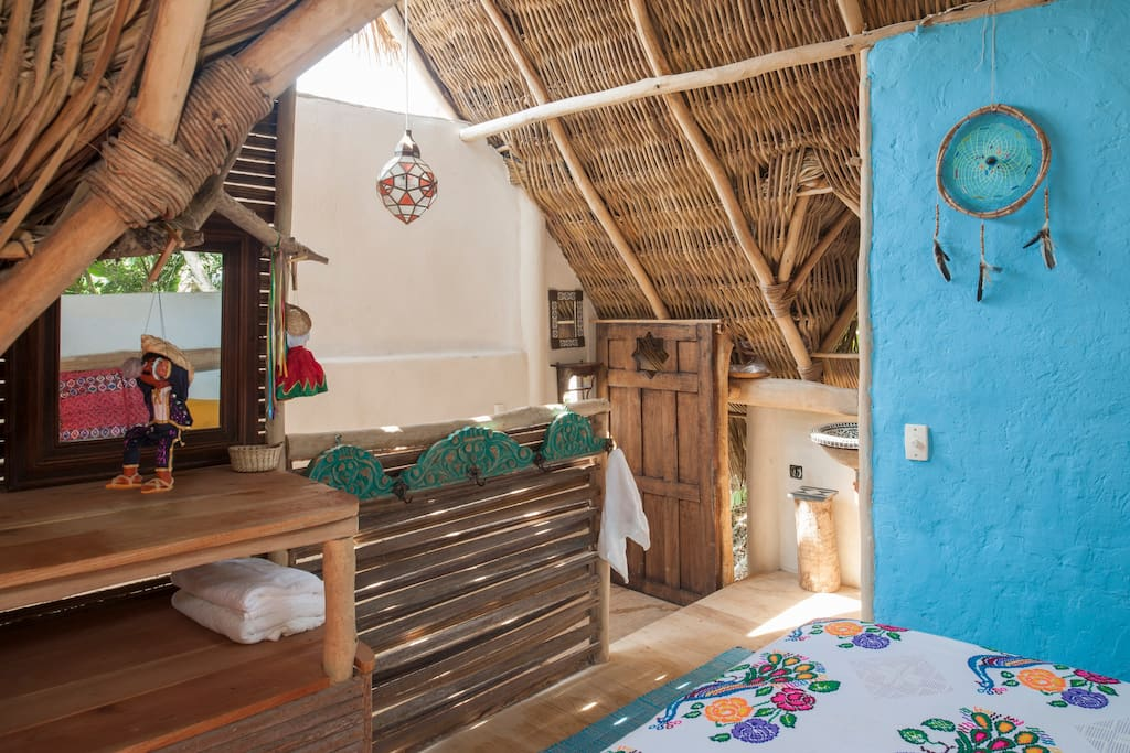 El nido the nest casa del jard n bed and breakfasts for Casa jardin sayulita