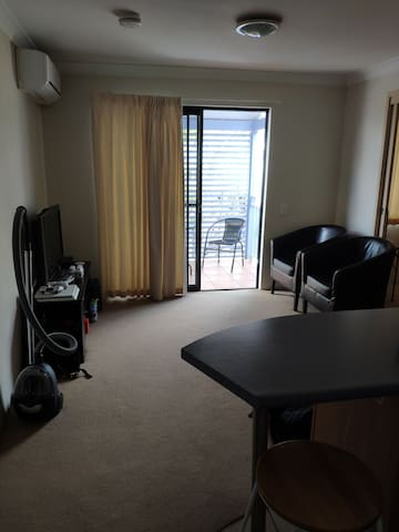 Whole apartment near CBD, around 50M2, Spring Hill