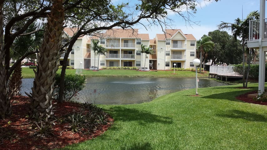 Ground Floor Luxury Condo - Indialantic - Huoneisto
