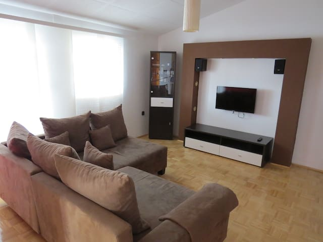 Apartments Loncar/Caska/Novalja/near beach Zrce