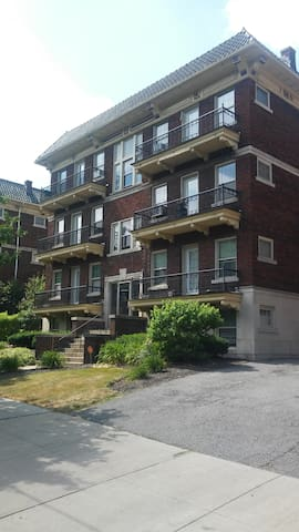 2 suites and 2 bedrooms in Cleveland Heights - Cleveland Heights - Flat