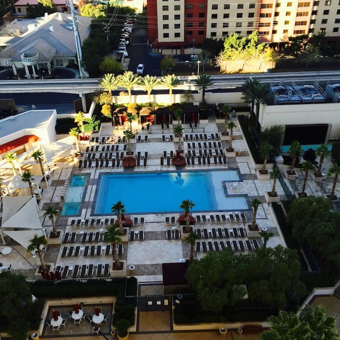 1 Bedroom Balcony Suite Mgm