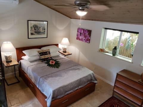 Luxury Waimanalo Beach Lots Cottage