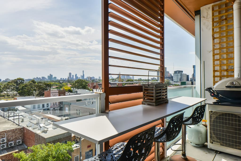 """The unit had amazing views of the city and situated in a beautiful spot in South Yarra."" - Christine August 2016"