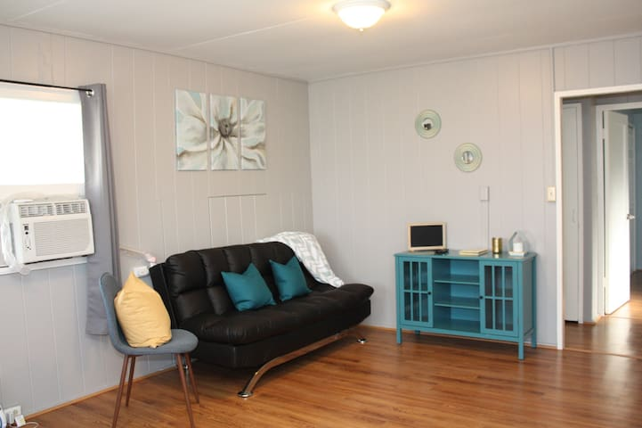 PERFECT FOR FAMILY - 2BD/1BA/1PK Honolulu Airport