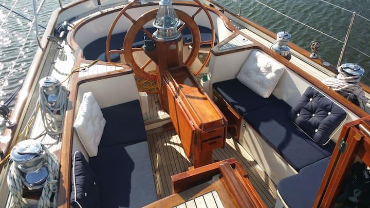 Stilvoll übernachten ab 2 Pers. auf 18m-Yacht (MA)