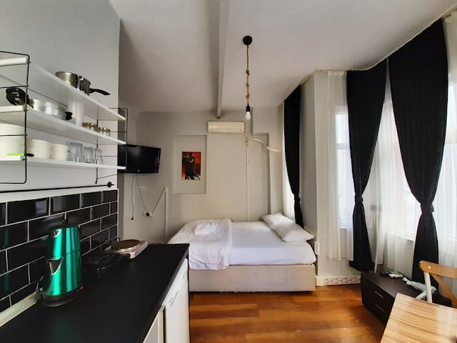 Central located studio with kitchenette