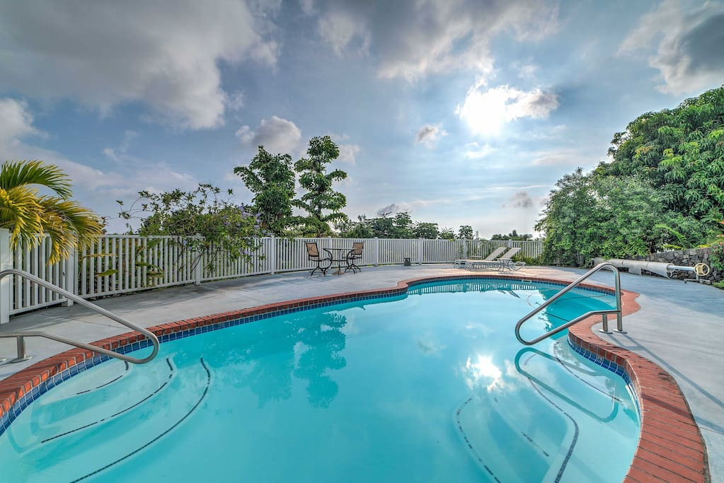 Surrounded by lush tropical landscaping and several shared outdoor amenities, this property ensures you experience island living to the fullest.