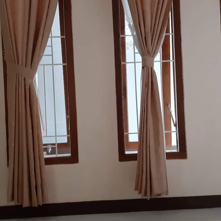 Tempat Kos dengan akses ke pusat bisnis di Bintaro