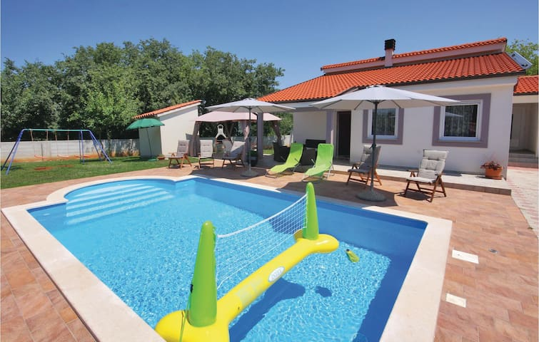 Holiday cottage with 3 bedrooms on 95m² in Barban
