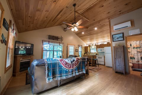 Relaxation in the woods with modern comforts