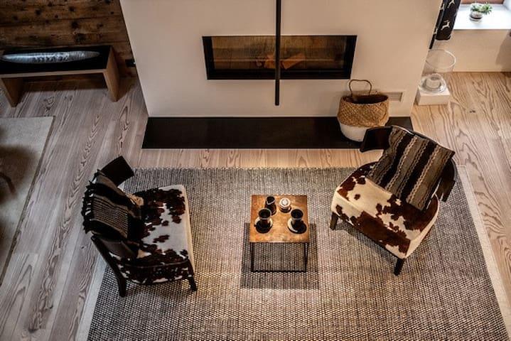 Exklusive Loftwohnung im alten Engadiner Haus