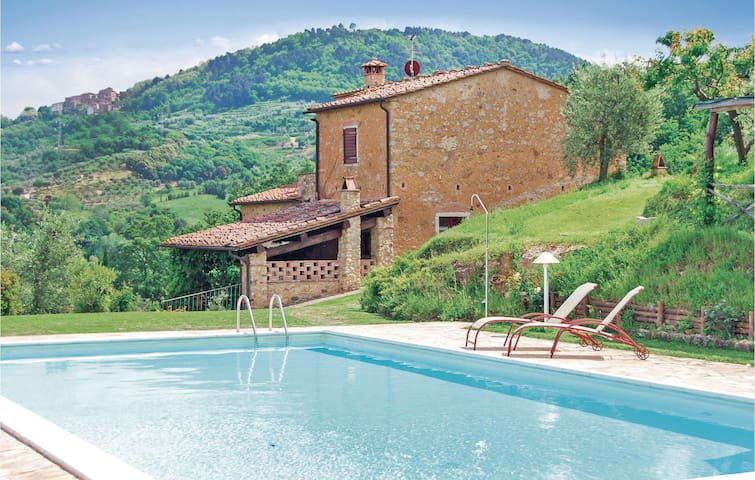 Holiday cottage with 4 bedrooms on 200 m² in Casciana Terme PI