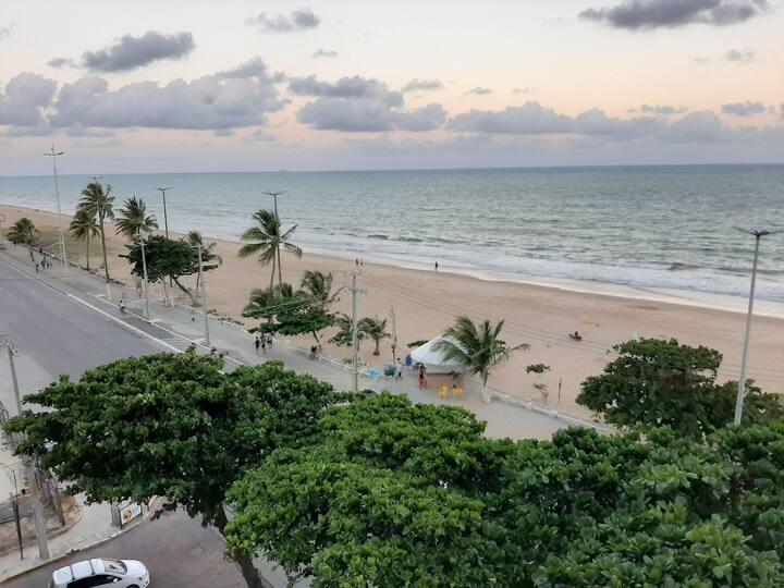 Beira Mar Recife Piedade 3 Quartos para 6 Pessoas