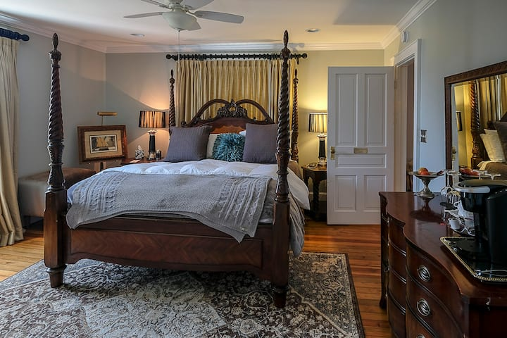 The Belle at Avery ~ Three Sisters Suite