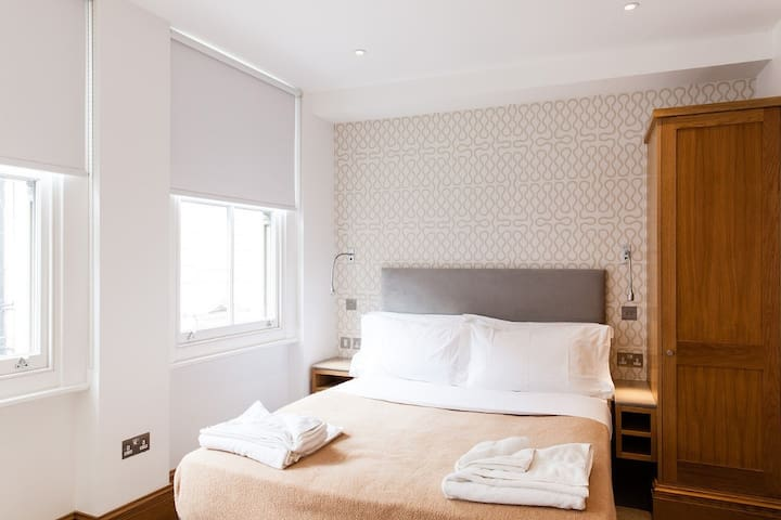 Studio,Willoughby, WC1A, Bloomsbury