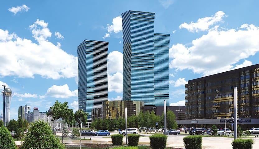Cozy, spacious apt with view of Expo & Khan Shatyr - Astana - Apartemen