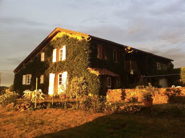 Escale santé nature Monts du Lyonnais - Saint-Symphorien-sur-Coise - Huis