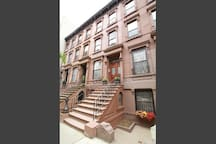 Trendy 1 Bedroom Harlem Brownstone