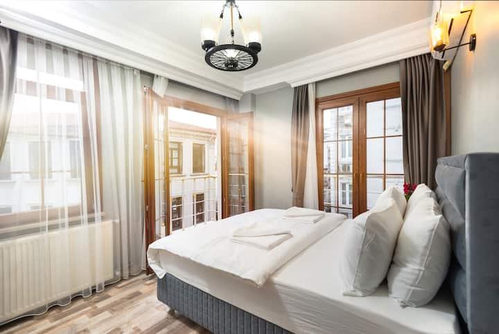 Deluxe 2 Bedroom Apartment in old city. 3rd Floor