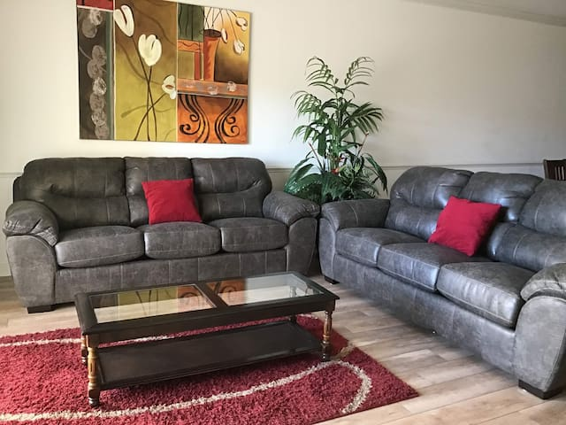 Myrtlewood Condo 2 br and 2 full ba
