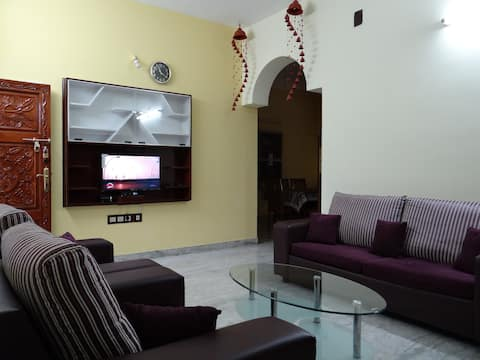 The Grumpartment 3BHK Serviced Apartment