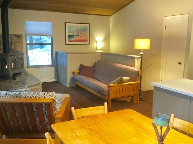 Tahoe/Truckee one BR guest apt close to downtown. - Truckee