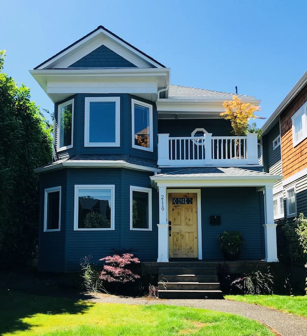 Victorian Home In Queen Anne (Lower Unit)