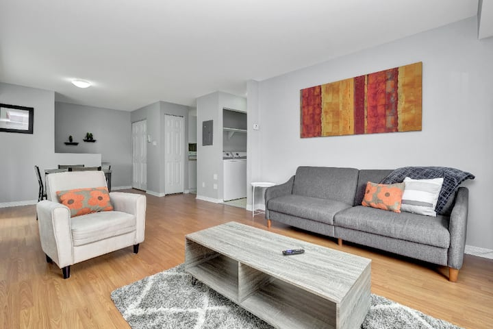 Lovely Little Italy 1 Bedroom- Free Parking