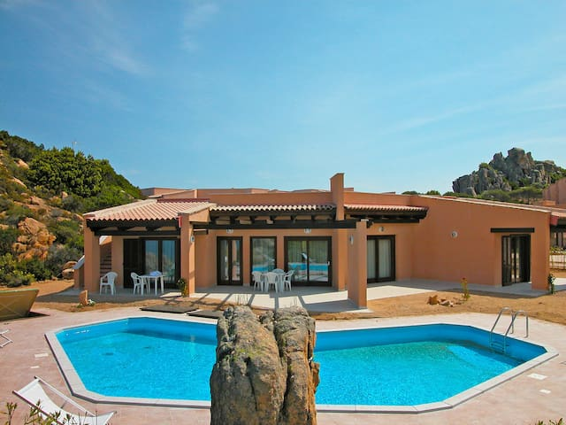 5-room house 140 m² in Costa Paradiso