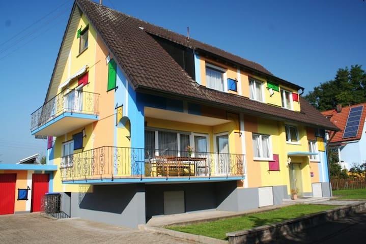 3 Sterne Ferienhaus mit 310 qm, 8 Schlafzimmer - Teningen - Talo