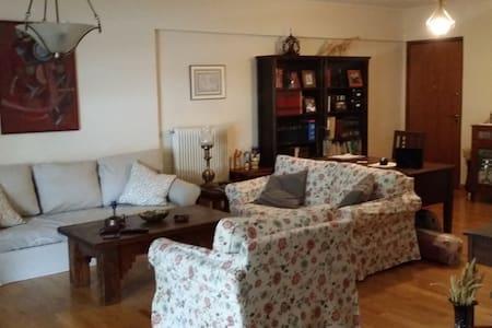 Spacious and comfy flat. - Likovrisi - Apartmen