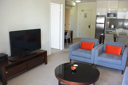 1 Bedroom Aparment - Balcony & wifi inc - Albion - Apartemen
